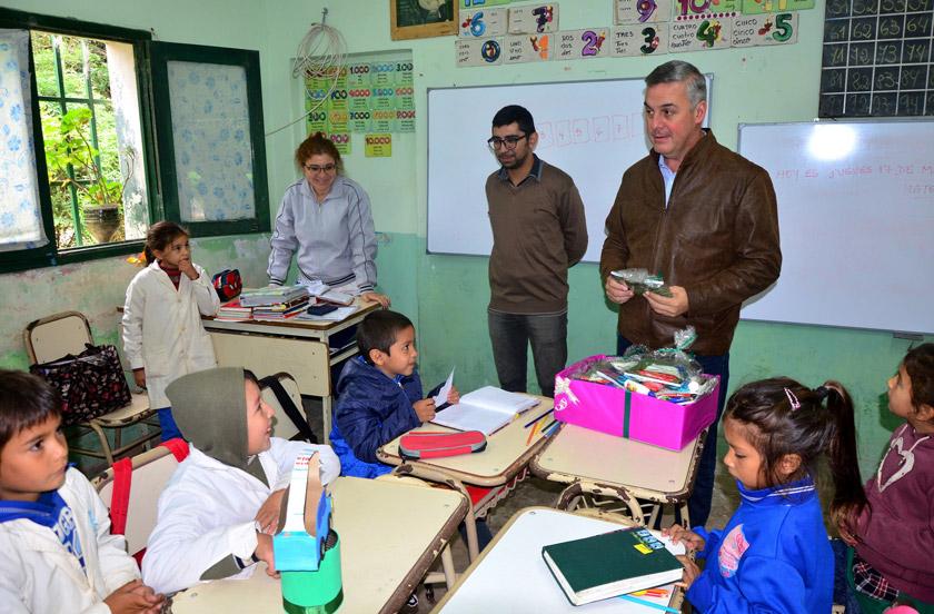 El municipio en contacto con escuelas rurales y urbanas