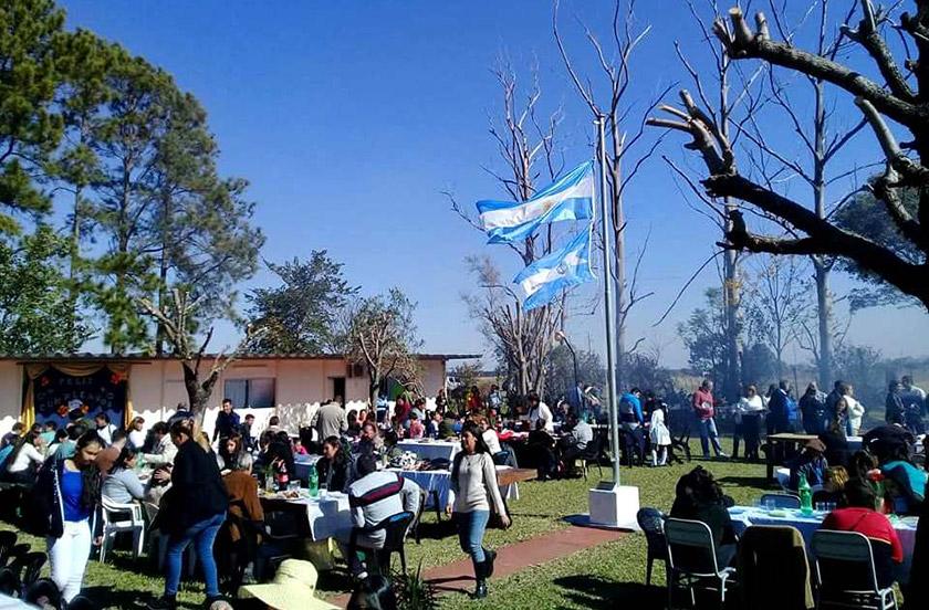 Desmochado festejó los 50 años de la Escuela 224
