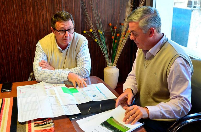 Municipio e instituciones con el director de Deportes de Corrientes