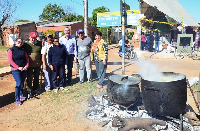 El barrio San Cayetano festejó sus bodas de plata