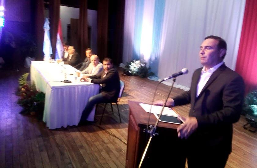 Chavez participó de la firma de la solicitud del paso Ituzaingó-Ayolas
