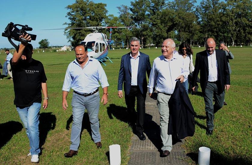 Chavez visita Villa Ocampo para la licitación del puente Paraná Miní