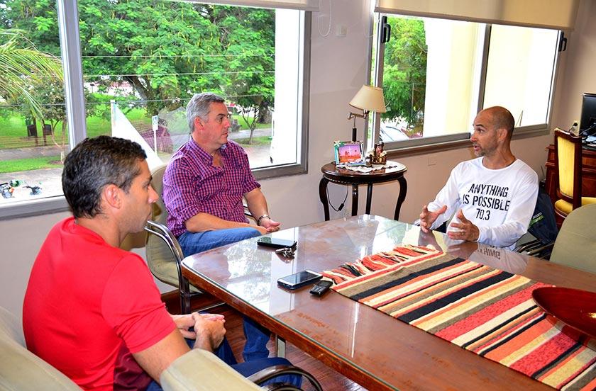 Chavez felicitó la hazaña del ultramaratonista Javier Zannino