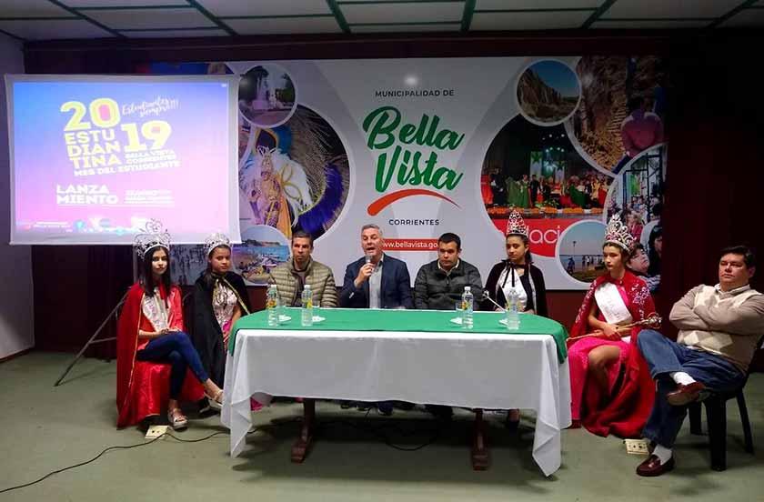 Bella Vista presentó su Mes del Estudiante y Estudiantina 2019