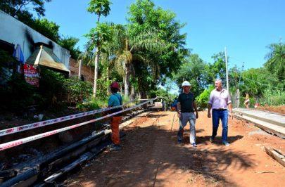Chavez recorrió la obra del Programa de Mejoramiento Barrial
