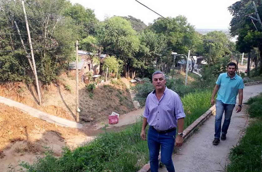 Chavez habló con los vecinos del ProMeba