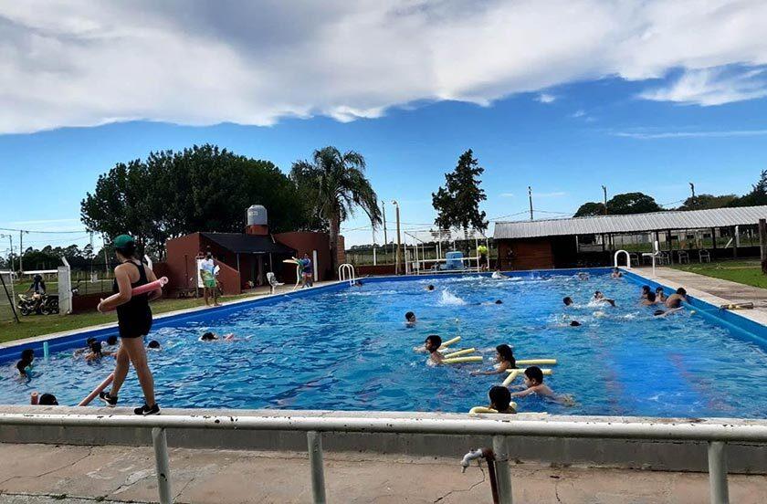 Bella Vista abrió sus actividades en la pileta del Polideportivo