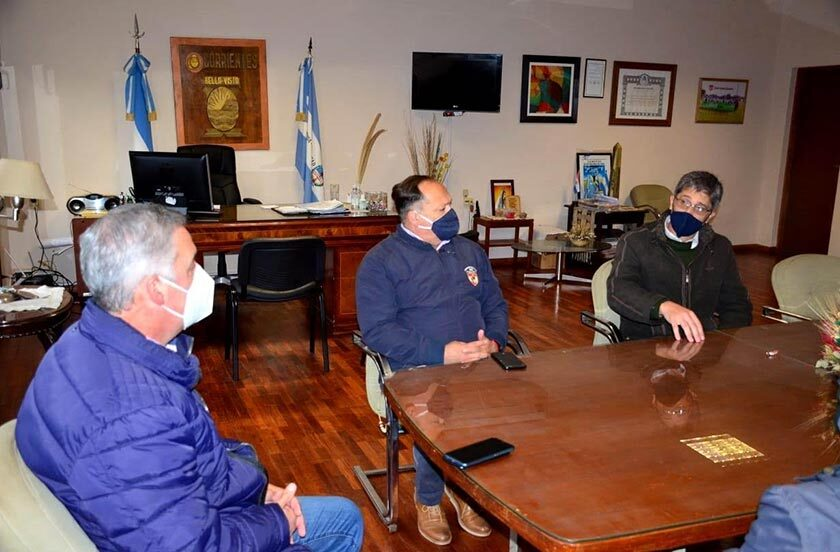 Chavez recibió a directivos del Club Hogar Hermanos
