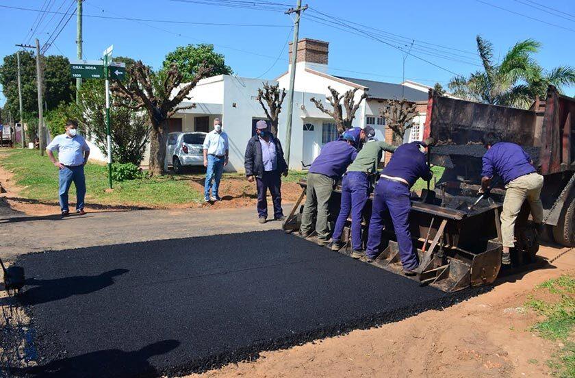 Ejecutan el plan de asfaltado en Barrio Progreso